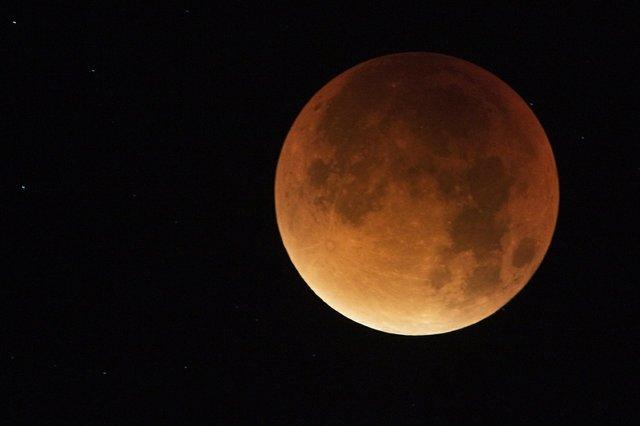 Moon - Neil Bygrave.jpg