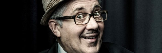 Count-Arthur-Strong-web_header-910x300.jpg