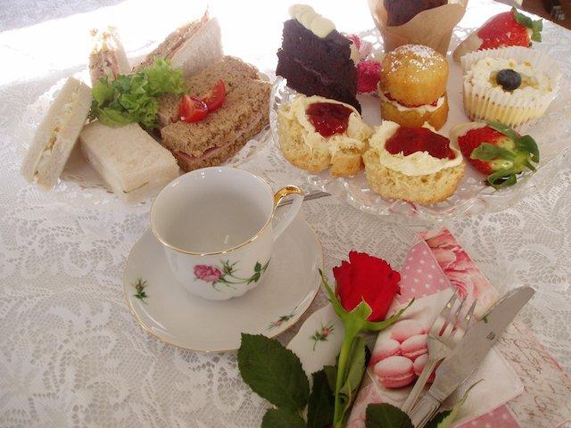 valantines afternoon tea[1].jpg