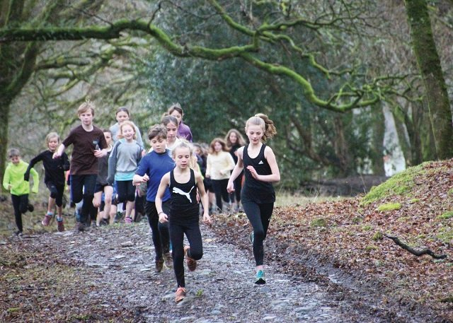 Meavy pupils run around 'Britain'