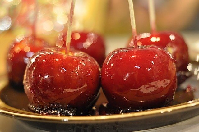 toffee apples1.jpg