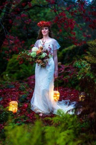 Amanda-Randell-Autumn-Bride-British-flowers.jpg