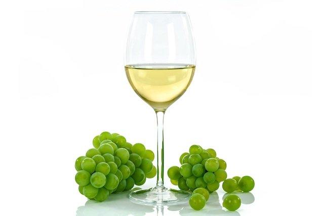 white-wine-1761575.jpg