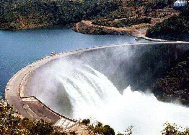 kariba-dam-wall.jpg