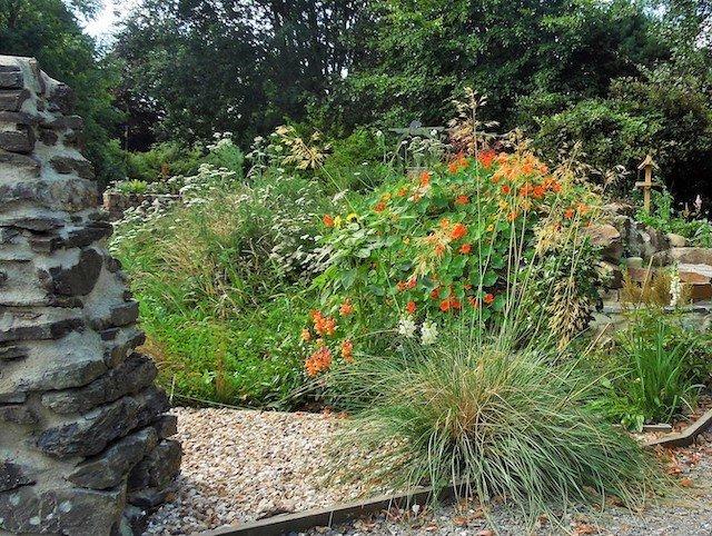Sensory Garden volunteers.jpg