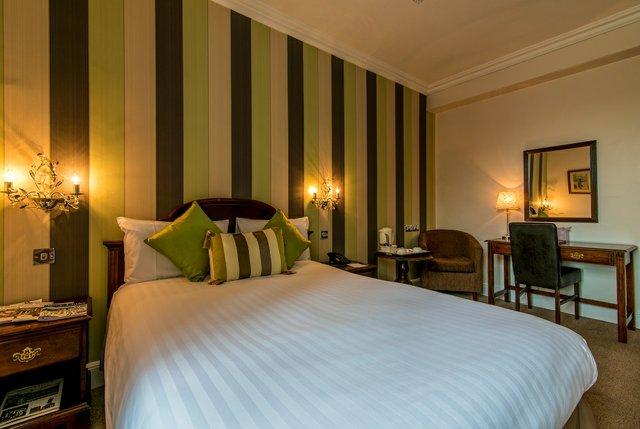 Bedford-Hotel-Tavistock-Double-Room.jpg