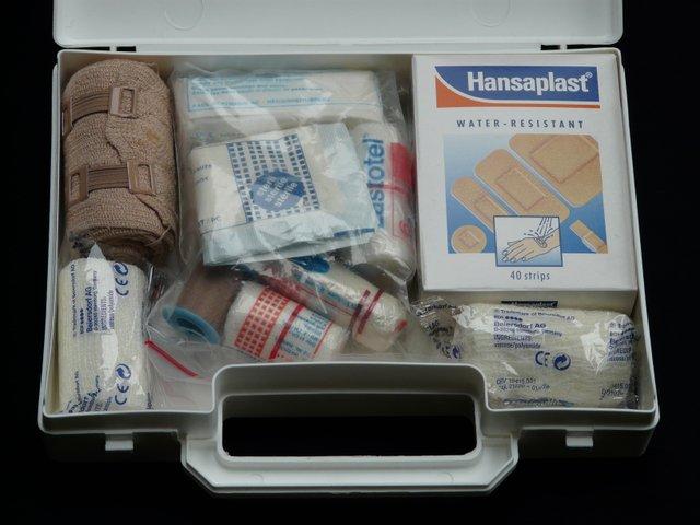 first-aid-kit-62643.jpg