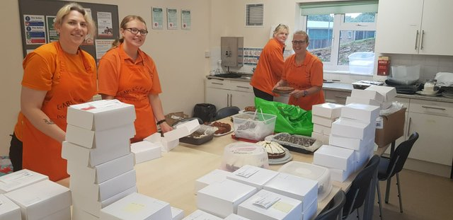 Online cake sale - prepping boxes