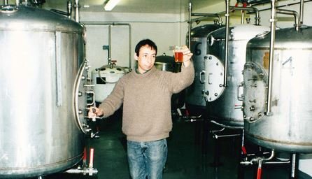 simon-loveless-brewing.JPG